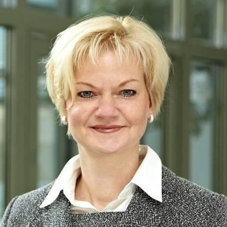 Claudia Mika, Dr.