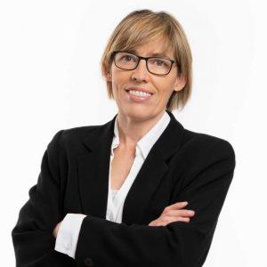 Dr Esther Velilla